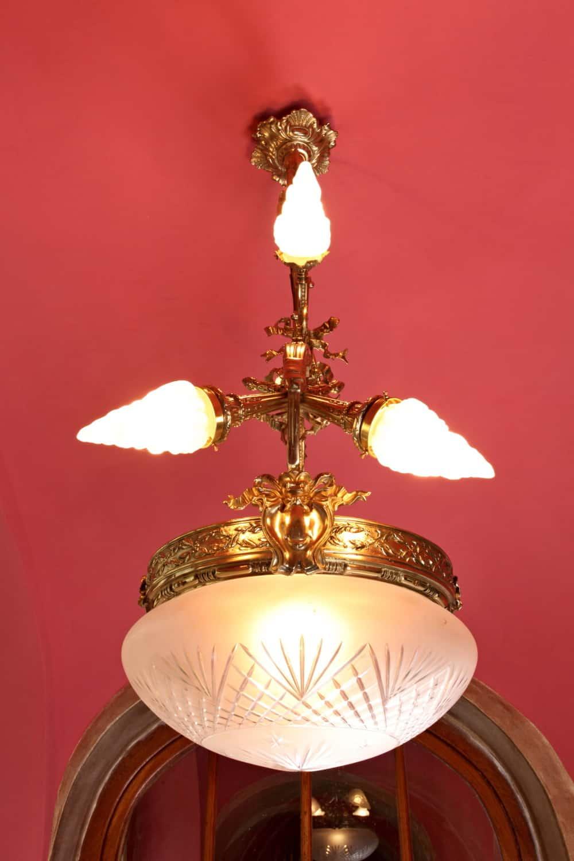 Die Große Französisch Kronleuchter. Jugendstil. Massiv. 7 Glühbirnen